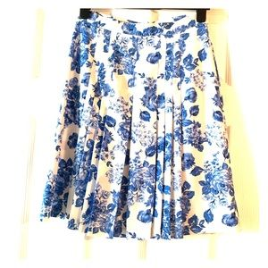 Flowy blue and white flower printed skirt